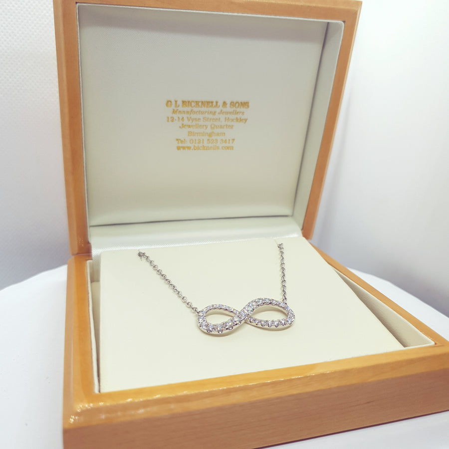18ct White Gold Infinity Necklace - 11-05-215