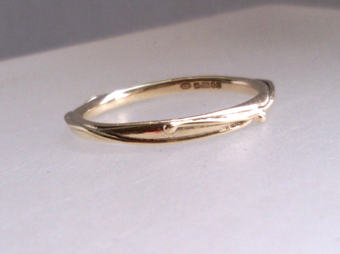 Wound Yellow Gold Halo Ring Size O