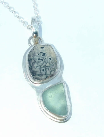 1704 Seafoam Pebble and Seaglass Pendant