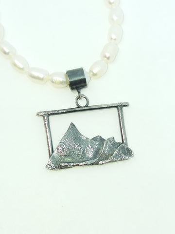 Mountain View Pendant