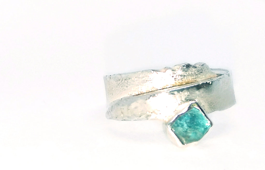 Sterling silver landscape ring with stone
