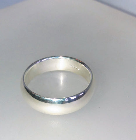 1662 Plain D Shape Ring Size V