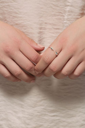 Love Double Arrow Ring