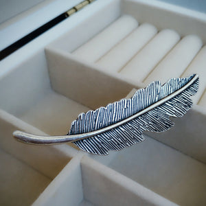 Love Feather Hair Clip