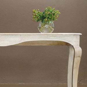 Table Painted with Houndstooth Designer Series Stencil