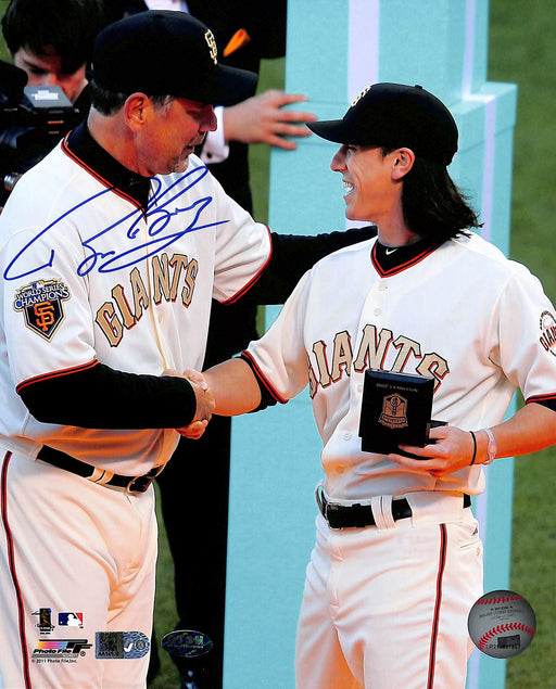 Bruce Bochy Signed 8x10 Photo Handshake (AIV)