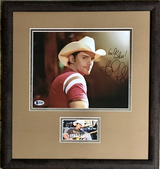Brad Paisley Signed Framed Autograph Display (BAS B22001)