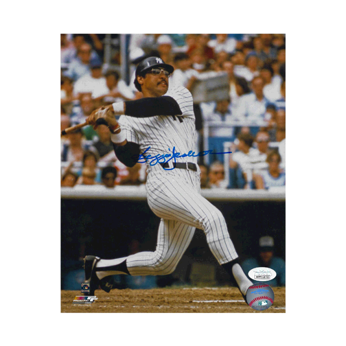Reggie Jackson Autographed Yankees 8 x 10 Baseball Photo Pose 2 (JSA)