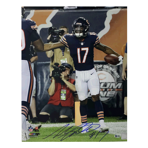 Anthony Miller Autographed Chicago Bears Football 16x20 Photo (Beckett)