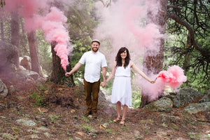 Gender Reveal Package (2 Smoke Grenades + 2 Confetti Cannons)