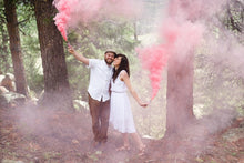 Gender Reveal Package (2 Smoke Grenades + 3 Confetti Cannons)