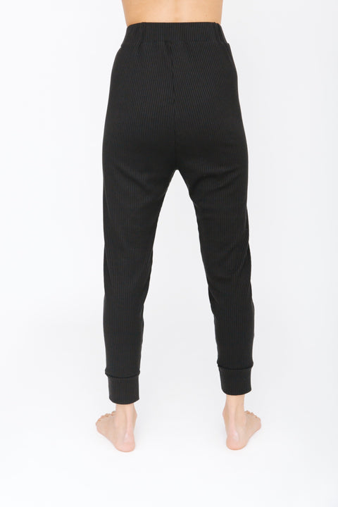 THE S+T EVERYDAY JOGGER IN MIDNIGHT BLACK