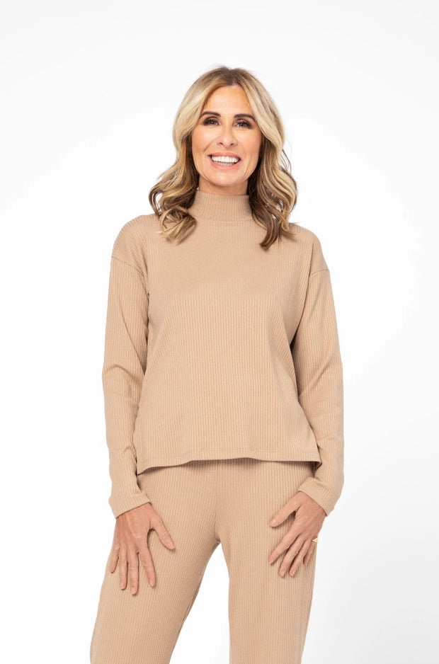 CR X S+T - THE PARK AVENUE TOP IN CLASSIC CAMEL