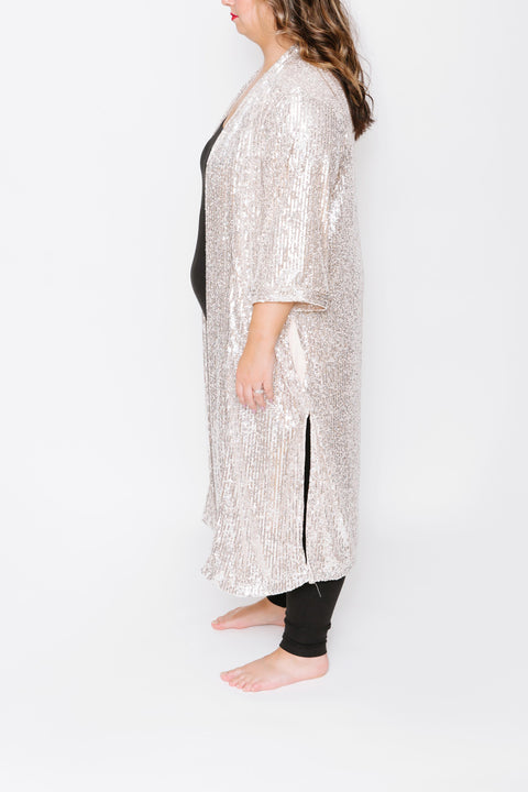 THE FOREVER FROSTED DUSTER IN SILVER SPARKLE