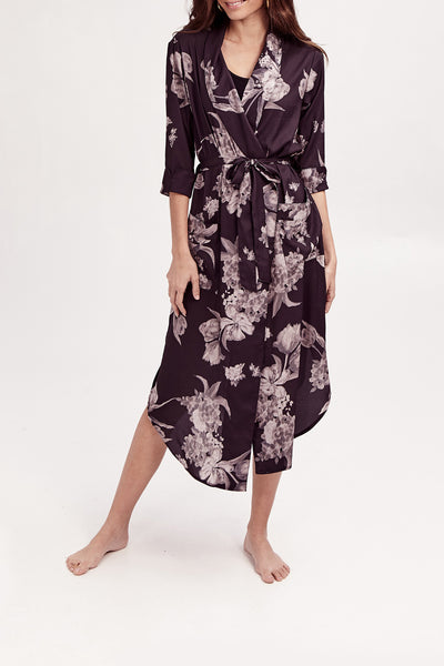 The Flora Robe | Alice is 5'10 wearing a Small