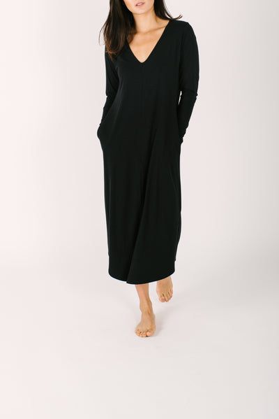 "The Friday Dress | Nalani is 5'8"" wearing size Small"