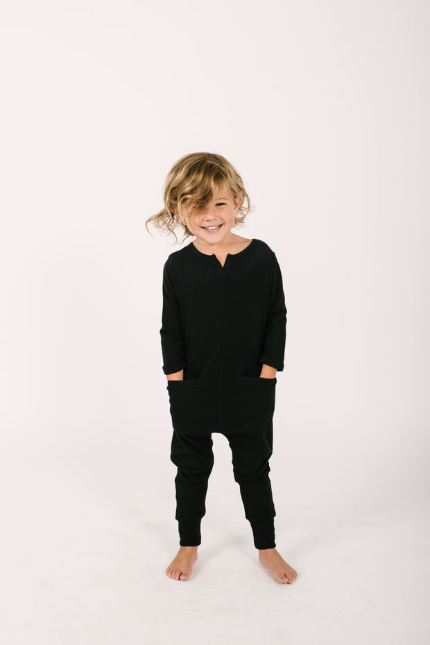 The Mini Monday Romper | Oliver is wearing 4/5