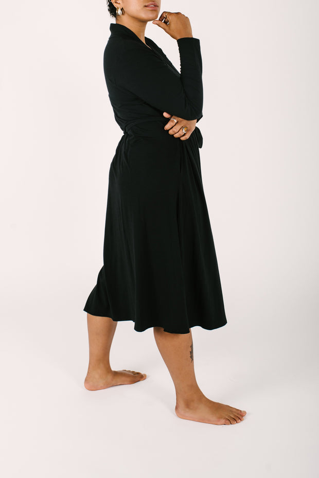 THE CARRIE CARDIROBE IN MIDNIGHT BLACK
