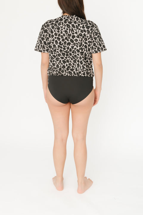 THE T-SHIRT BODYSUIT IN LEXI LEOPARD