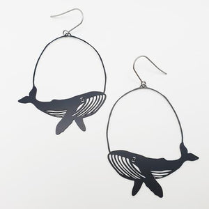 "DENZ ""whales"" statement earrings  - in black"