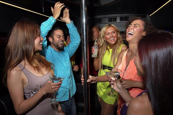 PARTY BUSES – AN ECCENTRIC WAY OF FESTIVITIES