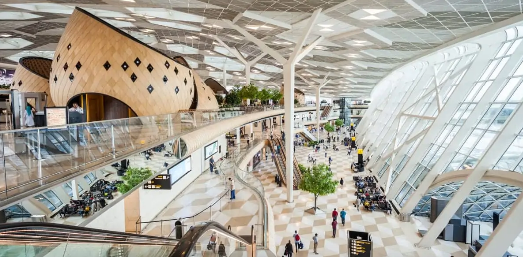 10 airports so beautiful you won't want to leave