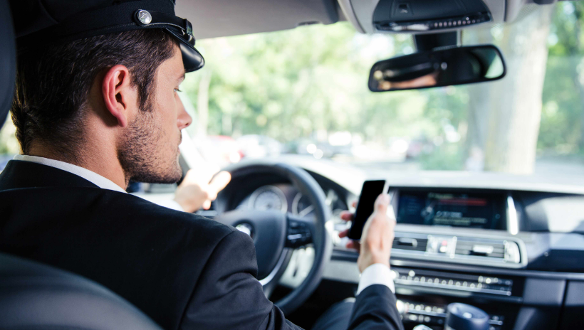 Top 5 Reasons to Hire Private Chauffeur for Business Trip to LA