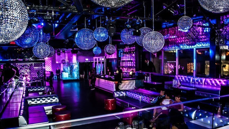 Nightclub - Irideyourway Luxury Chauffeur Service in Los Angeles