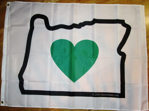 Heart in Oregon Flag | Green Heart, White Flag, Black Border. - Heart In Oregon