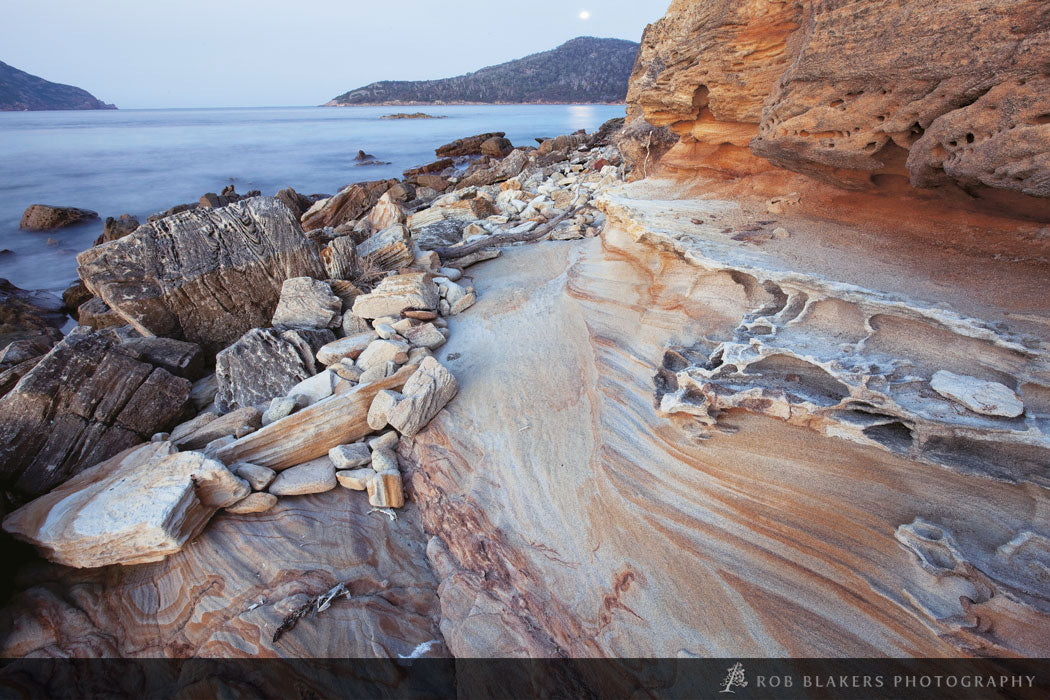 TO78 :: Sandstone formations, Freycinet NP