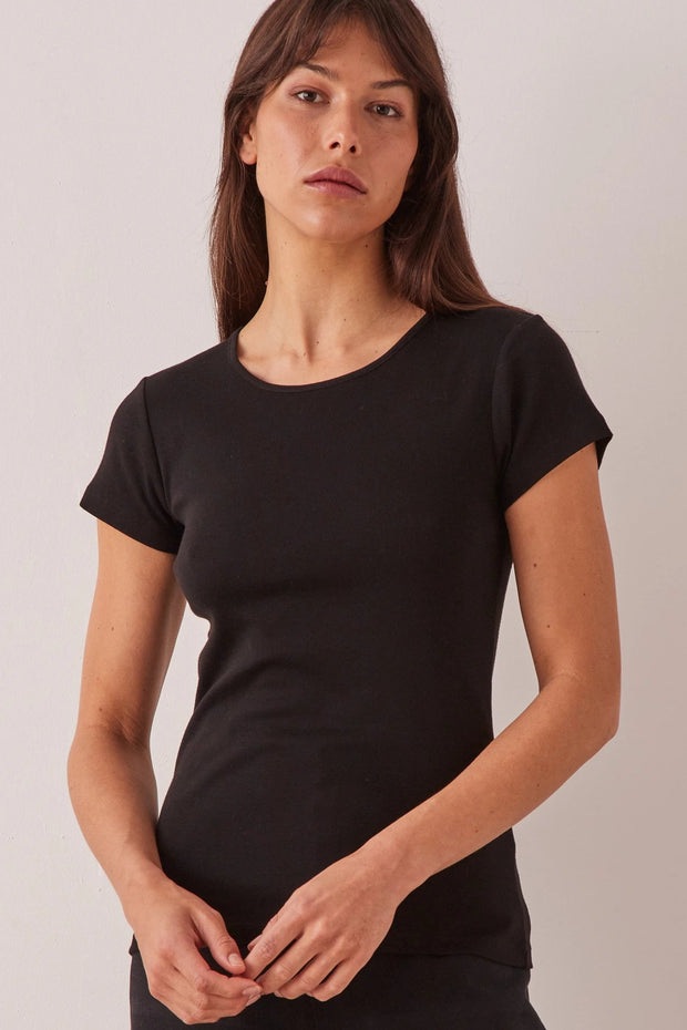 ASSEMBLY LABEL KAI RIB TEE  The Assembly Label Kai Rib Tee is a great essential basic for the warmer seasons, or to be worn actively. The Kai Rib Tee is slim fitting, and speaks for itself with its finely ribbed design throughout, and features a crew neckline, with fine ribbed cuffed seams on the neckline and sleeves. Simple and stylish, The Assembly Label Kai Rib Tee can be worn casually, as active wear, or dress it up.