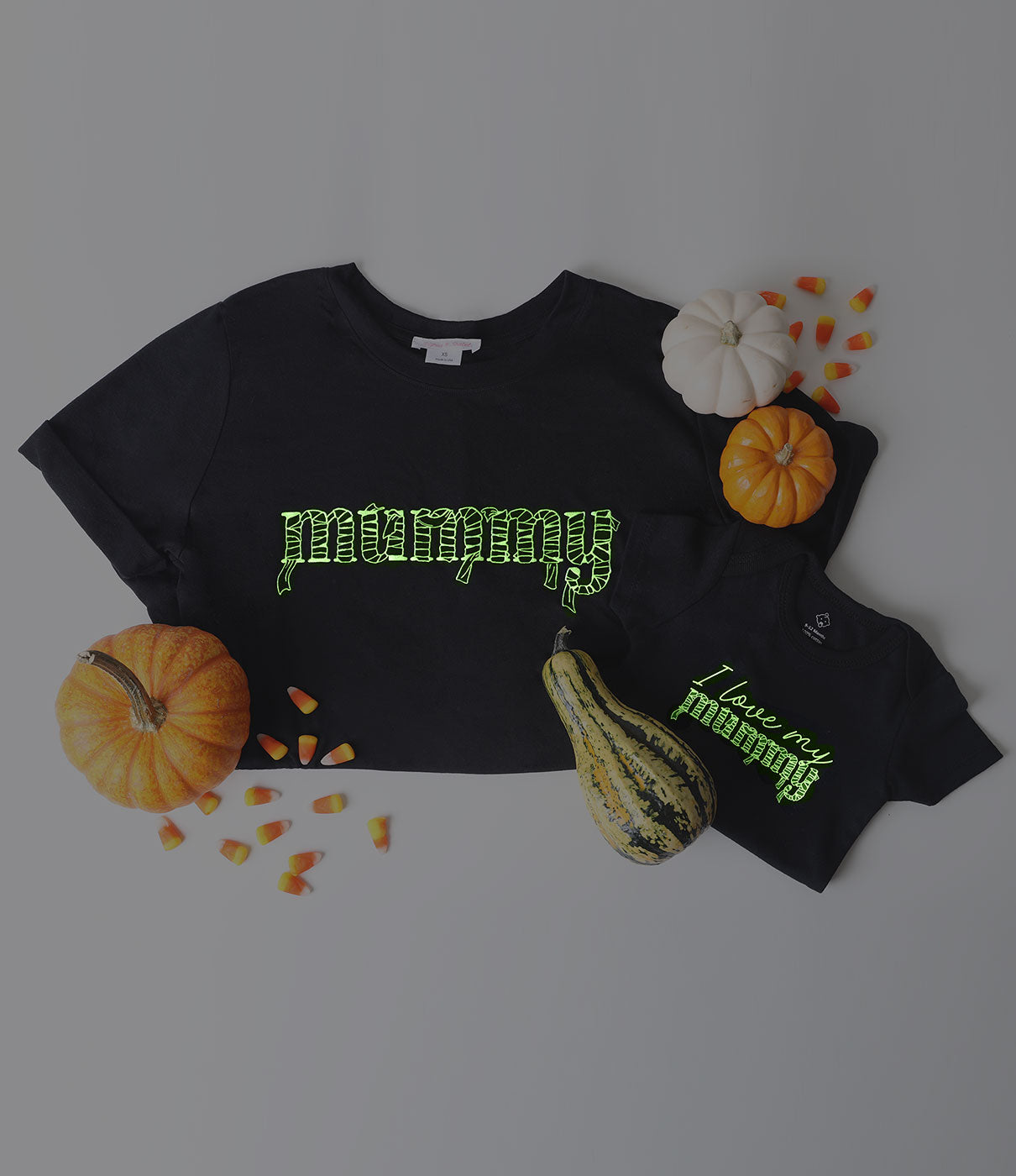 Fashion + FunctionGlow in the Dark printed graphic with side slits that accommodate your growing belly. A simple t-shirt to love long after Halloween and baby arrives. Throw it on with leggings for lounging and errand-running, or pair it with jeans for a casual Halloween eve.