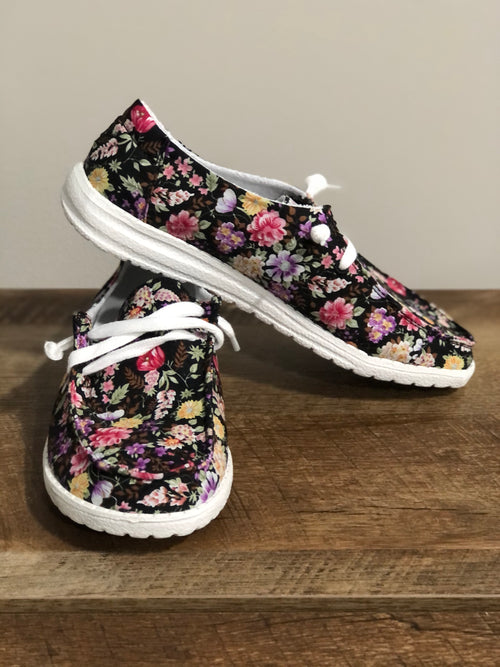 Very G Gypsy Jazz Dahlia Sneaker | Black & Pink - Lola Cerina Boutique