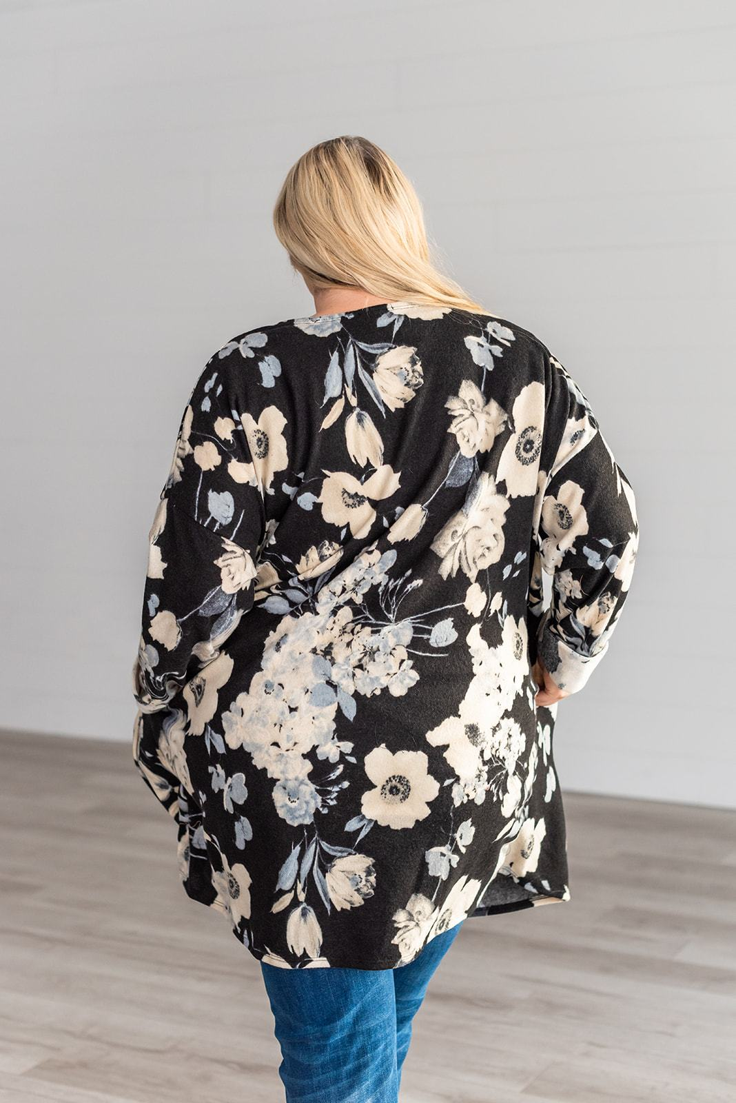Total Heartbreaker Floral Cardigan, Clothing - Lola Cerina Boutique