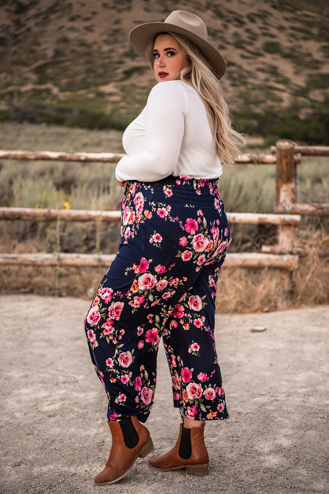 Can't Hold Me Back Smocked Pant | 2 Colors - Lola Cerina Boutique