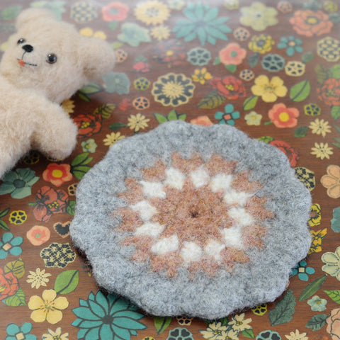 Wooly Trivet | Grey/Peach/White