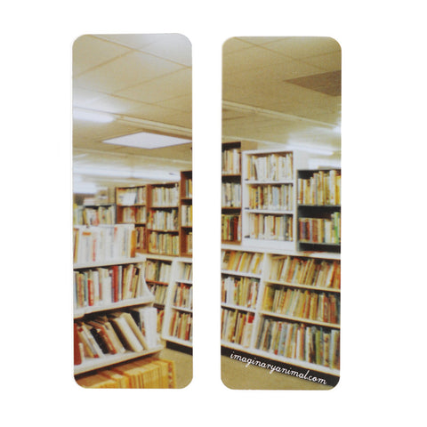 Diana Mini Photo Bookmark | Lots of Books on Shelves