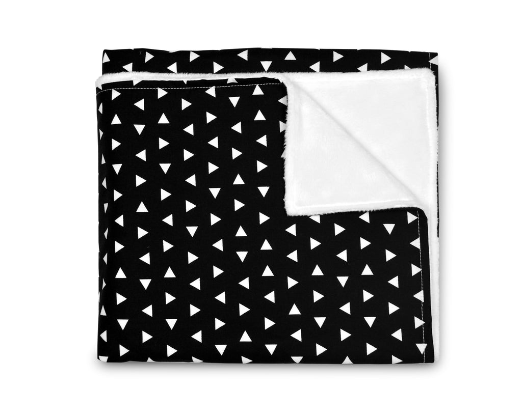 Black Triangle Blanket - Leo + Cullie