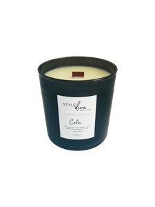 Black glass 9 oz soy blend with wood wick. Clementine and french lavender fragrance.