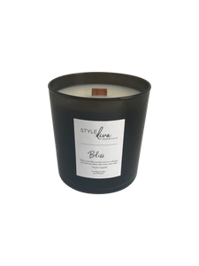 Black glass 9 oz soy blend with wood wick. Lemongrass, citrus notes and sage fragrance