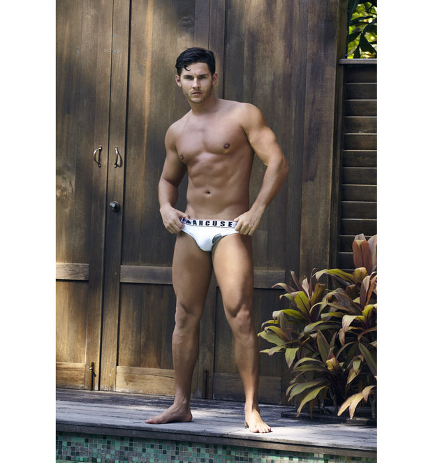 Marcuse - Monument Brief - White Johnny Beach