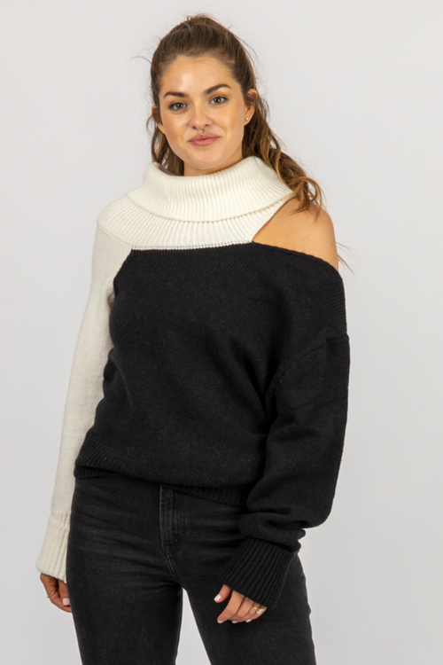 BLACK + IVORY SHOULDER CUTOUT TURTLENECK