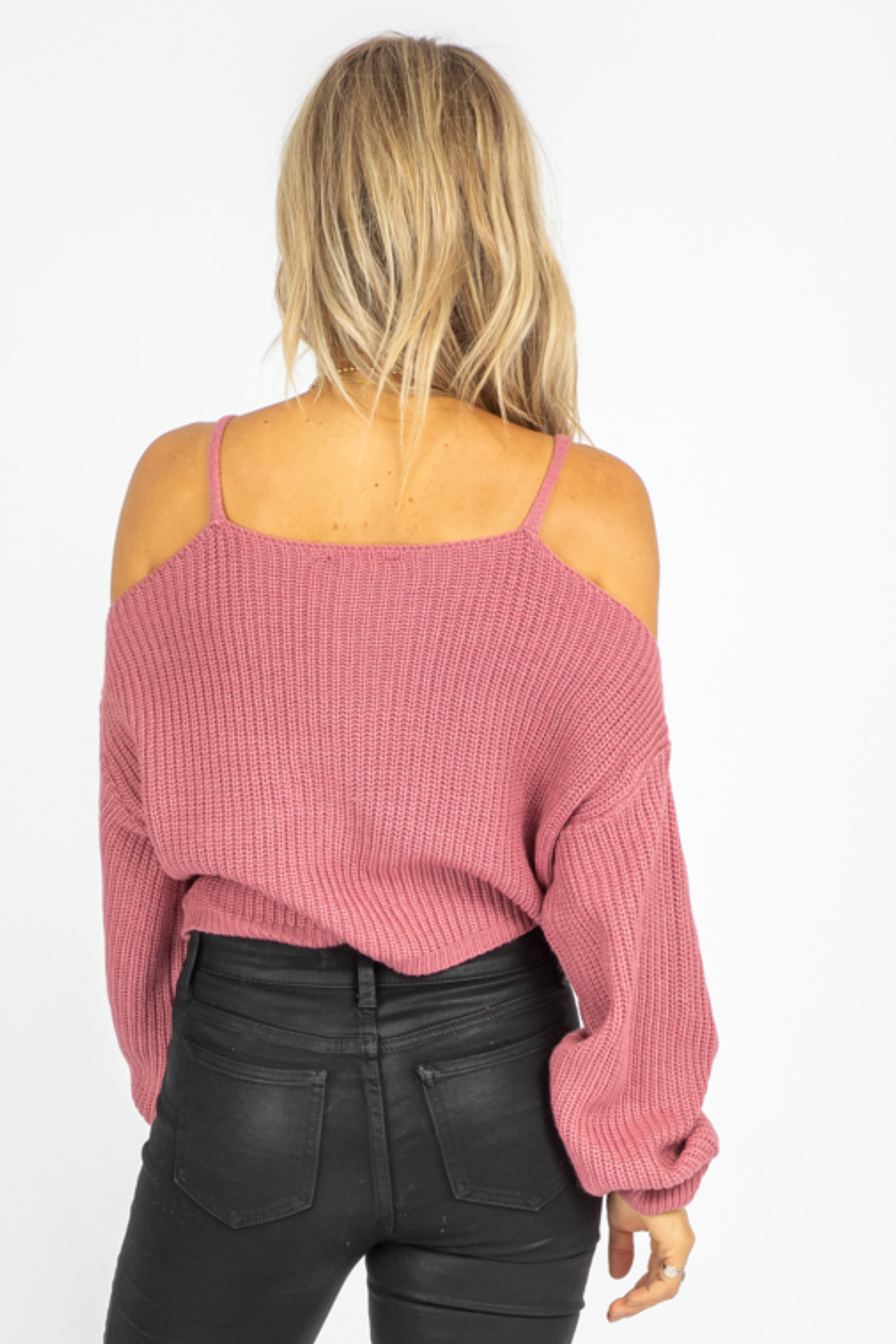 BERRY COLD SHOULDER TWISTED KNIT
