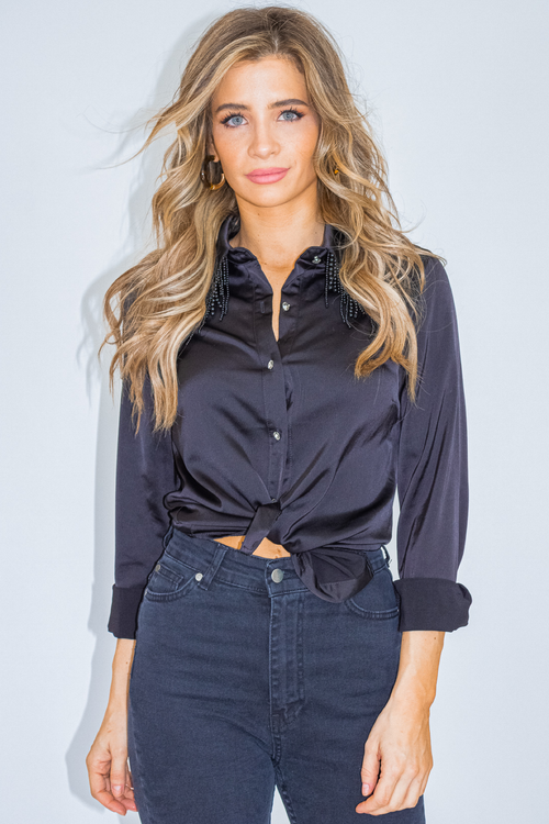 BEADED COLLAR BUTTON UP