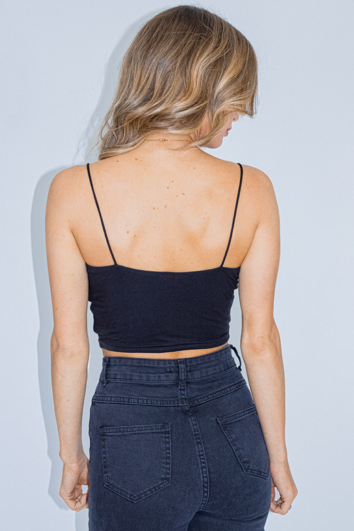 COWL NECK CROP IN BLACK