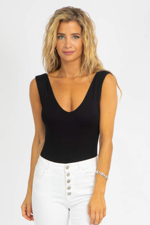 BLACK LINED DEEP V BODYSUIT