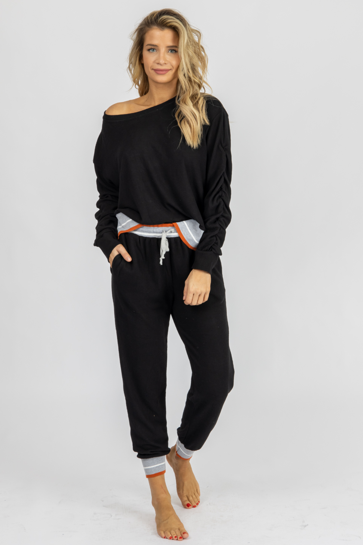 BLACK ELASTIC CONTRAST SET