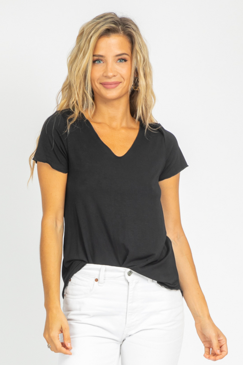 BLACK EVERYDAY TEE