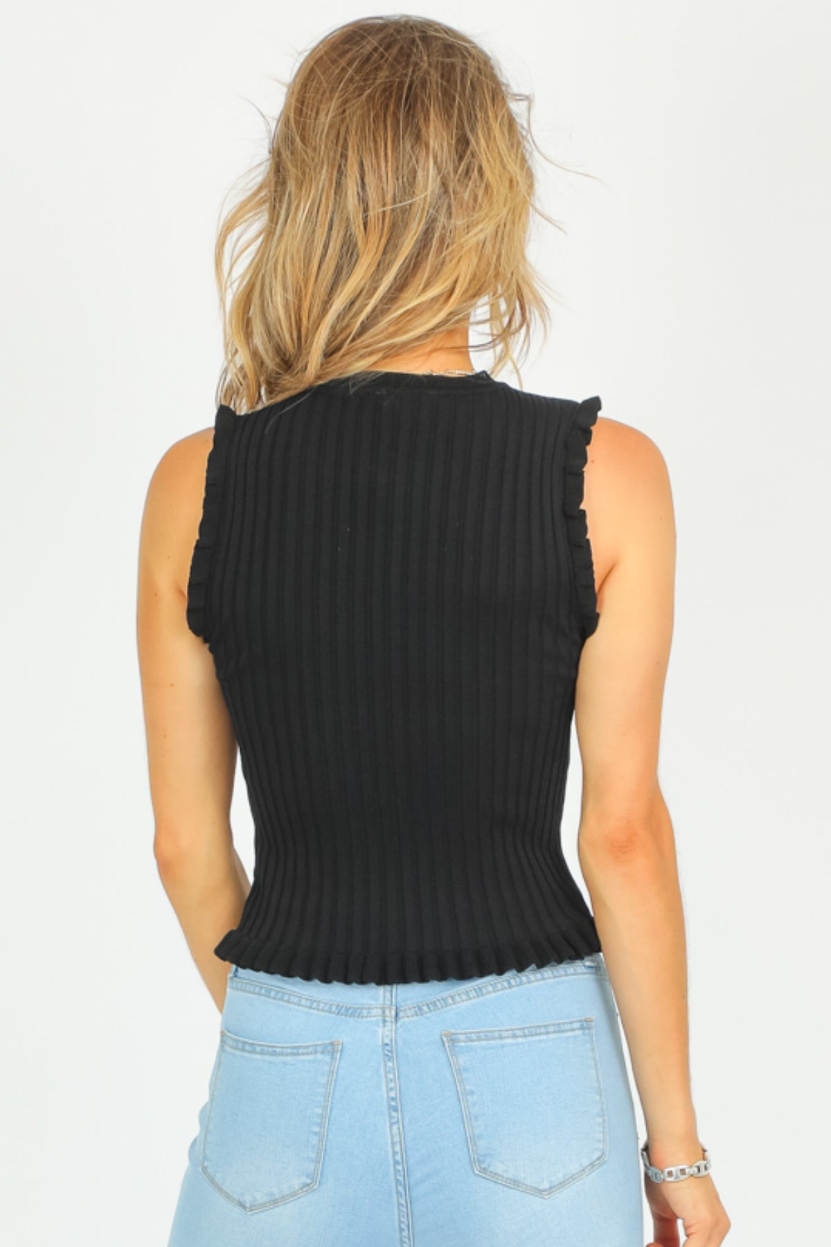 BLACK SLEEVELESS FRILL TOP