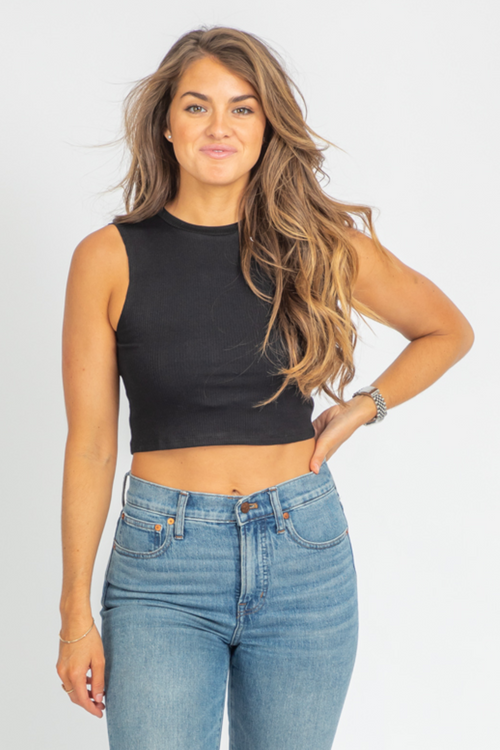 BLACK CREWNECK CROP TANK